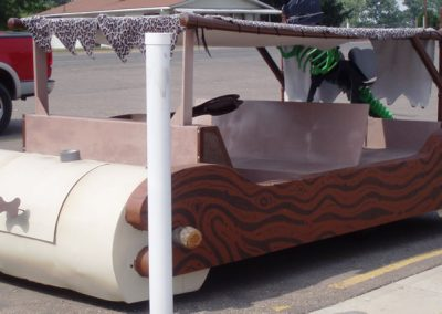 Flintstone-Mobile-1957-HD-Golf-Cart-with-Grill-in-Front-Tire